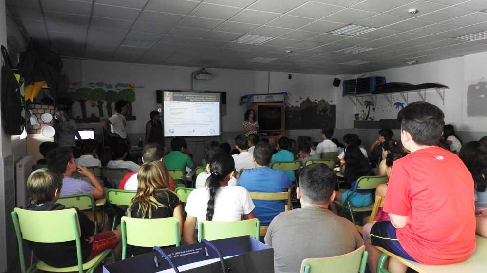 Jornada de educación medioambiental en el colegio Público Juan de Goyeneche