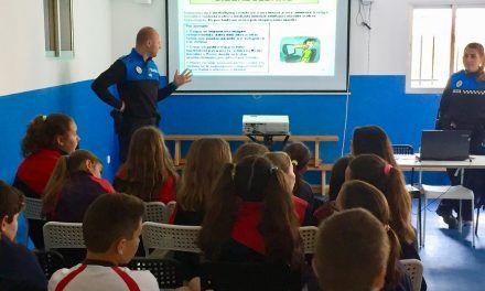 La Policía Local de Nuevo Baztán imparte charlas en el Colegio Internacional de Eurovillas.