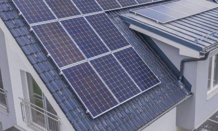 El Ayuntamiento bonificará en el IBI la instalación de paneles solares.